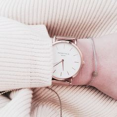 Almost time to leave the office 💋 #rosefield #watch #ootd #outfit #billierose