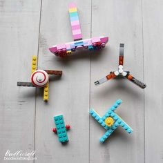 Easy LEGO Fidget Spinner Toy Tutorial with Instructions! Here's a fun summer kids craft activity! We spread a big blanket on the groun. Lego Spinner, Fidget Spinner Toy, Fidget Spinners, Lego Hogwarts, Pokemon Go, Pikachu, Lego Activities, Craft Activities For Kids, Summer Crafts For Kids