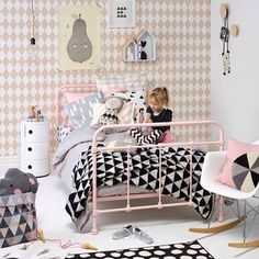 Geometric shapes in pastels and bolds for a girls room. Don't you just love geometry (at least in design?!)