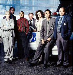 New York Police Blues : photo Andrea Thompson, Dennis Franz, Gordon Clapp, James McDaniel, Jimmy Smits