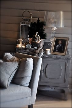 """Feels like Home"" Gray Interior, Home Interior Design, Interior Decorating, Living Room Styles, Cozy Nook, Country Furniture, Shabby Chic Cottage, Home And Living, Painted Furniture"