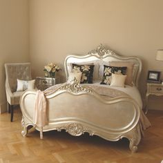Exclusive Verona Silver Leaf Bed - Sweetpea & Willow London