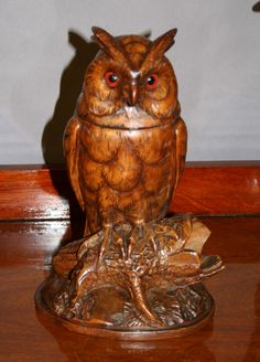 Antique Owl Humidor handcarved from the Black forest region of Germany.