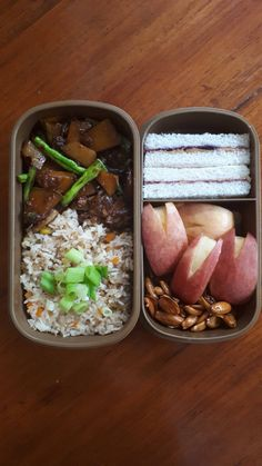 More apple bunnies and an unintentionally veggie bento. Bento Recipes, Lunch Box Recipes, Dessert Recipes, Cute Food, Good Food, Yummy Food, Chocolate Chip Frappe, Clean Recipes, Healthy Recipes