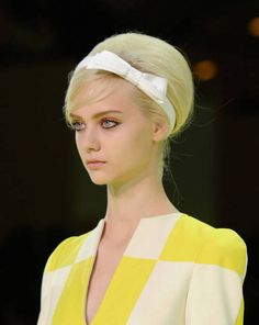 Il cerchietto sixties e bon ton di Marc Jacobs