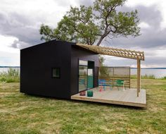 Swedish architect Jonas Wagell began designing the concept of the Mini House…