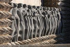 Friso de los apostoles del Santuario de Arantzazu. Pais Vasco.-  Inaki Caperochipi Photography