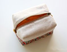 How to make block zipper pouch / handbag. DIY photo tutorial and template pattern.