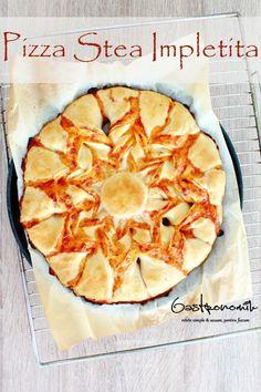 PIZZA STEA - Iti e pofta de o pizza? Fa-o mai distractiva și ușor de facut cu aceasta frumoasa reteta de pizza stea! Familia și prietenii iti vor admira talentele!