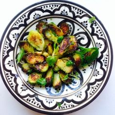 Karamellisoidut ruusukaalit | Kasvis, Lisukkeet | Soppa365 Dairy Free, Side Dishes, Salads, Good Food, Food Porn, Vegetables, Eat, Cooking, Kitchen