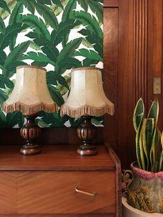 Paire de lampes vintage en bois et peau