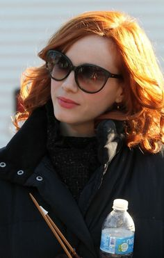 The beautiful Christina Hendricks . She made a number of guest television appearances, starting as a regular in the series Beggars and Choosers. Cristina Hendricks, Joan Harris, Beautiful Christina, Hollywood Boulevard, Celebs, Celebrities, American Women, Mad Men, Sexy Women