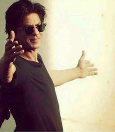 Face Photo, King Of Kings, Shahrukh Khan, Beautiful Boys, Superstar, Sunglasses Women, Bollywood, Handsome, Mazda