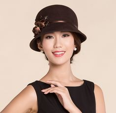Elegant flower bucket hat wool for women winter wear