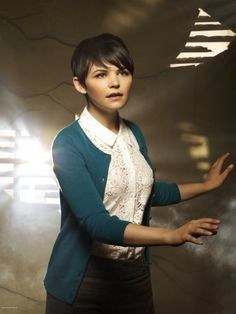 Going to keep an eye on how #GinniferGoodwin , from Once Upon a Time, is growing out her short hair. So far she's still looking so cute.
