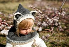 Hey, I found this really awesome Etsy listing at https://www.etsy.com/listing/261582257/hooded-cowl-knit-pattern-baby-bear
