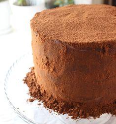 Elämäni upein suklaakakku! - Kulinaari-ruokablogi Takana, Tiramisu, Ethnic Recipes, Food, Essen, Meals, Tiramisu Cake, Yemek, Eten