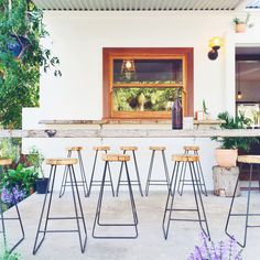 Your guide to Byron Bay cafes; a town smattered with wellness attuned, organically grown eatery havens - and a whole lot of hippie spirit.