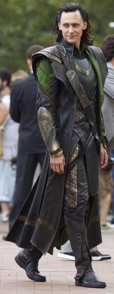 Photo of Loki! for fans of Loki (Thor 30959361 Loki Avengers, Loki Thor, Loki Laufeyson, Marvel Avengers, Loki Costume, Cosplay Costumes, Lady Loki Cosplay, Tom Hiddleston Loki, Traje Loki