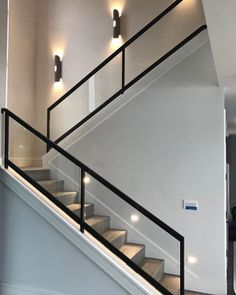 Staircase Interior Design, Staircase Railing Design, Home Stairs Design, Modern Staircase, Modern Interior Design, Contemporary Design, Escalier Design, Glass Stairs, Glass Railing