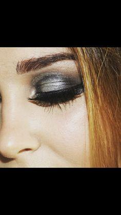 Gray eyeshadow Gray Eyeshadow, Stunning Eyes, Lips, Grey, Grey Eyeshadow, Gray