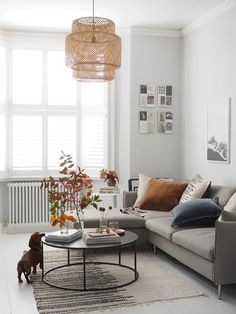 How to add colour to a minimal home, with French Connection Home [AD - Diy Wohnzimmer Ideen Simple Living Room, Living Room Modern, Living Room Interior, Home Interior, Home Living Room, Apartment Living, Living Room Furniture, Living Room Designs, Living Room Decor