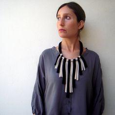 Retazos necklace handmade in jersey fabric por birdienumnumshop