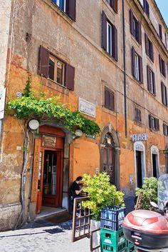 Rome: Trastevere, Via di San Francesco a Ripa