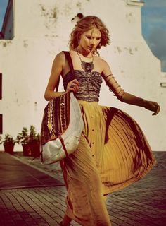 ╰☆╮Boho chic bohemian boho style hippy hippie chic bohème vibe gypsy fashion indie folk the . Boho Gypsy, Bohemian Mode, Bohemian Style, Bohemian Dresses, Bohemian Fashion, Bohemian Summer, Gypsy Chic, Gypsy Cowgirl, Hippie Bohemian