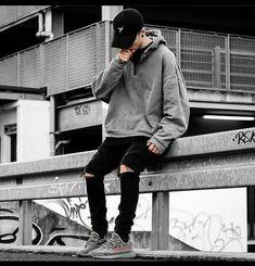 Urban Apparel, Streetwear Mode, Streetwear Fashion, Streetwear Jeans, Streetwear Summer, Hommes Grunge, Fashion Guys, Fashion Trends, Fashion Shoot
