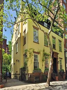 Truman Capote's Brooklyn Heights town house ...