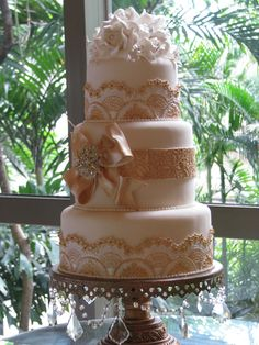 https://flic.kr/p/69NsVf | Lace Cake in Manila | Cake Designer in Manila, Philippines shows cake design to Felicia Events at bridal show.