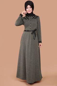 Deri Detay Karyağdı Elbise Haki Ürün kodu: MDP3080 --> 69.90 TL Hijab Dress, Hijab Outfit, Dress Outfits, Dress With Cardigan, The Dress, Abaya Fashion, Women's Fashion Dresses, Modele Hijab, Cute Fashion