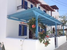 Litsa Studios are located in an amazing location just by Agia Anna beach. Four Square, Pergola, Studios, Anna, Outdoor Structures, Beach, Amazing, Outdoor Decor, Home Decor