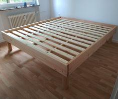 Robust and Inexpensive Bed Frame - Diy Platform Bed Affordable Bed Frames, Affordable Bedding, Cheap Bed Frames, Making A Bed Frame, Diy Queen Bed Frame, Build Bed Frame, Build A Bed, Diy Bed Frame Plans, Homemade Beds