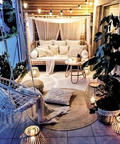 Small Balcony Ideas to Help You Make The Most of Your Outdoor Space Apartment Balcony Decorating, Apartment Balconies, Apartment Living, Apartment Hacks, Porch Decorating, Interior Balcony, Patio Decorating Ideas On A Budget, Diy On A Budget, Small Cozy Apartment