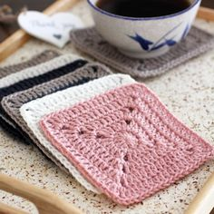 Free Solid Granny Square crochet pattern. Join up the squares to make a bigger project or simply use it individually.