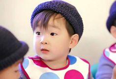 daehan so hansome. Cute Kids, Cute Babies, Man Se, Superman Baby, Song Daehan, Song Triplets, Ulzzang Kids, Baby Songs, Asian Kids