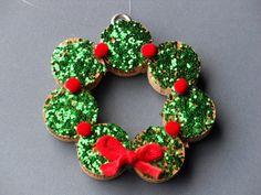 Wreath Christmas from upcycled wine cork - Guirnalda navideña de corchos de vino reciclados