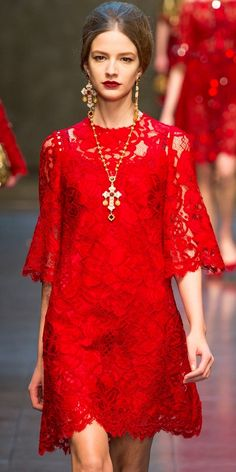 Red lace Dolce e Gabbana