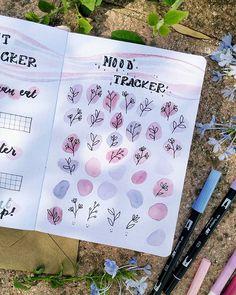 Bullet Journal Paper, Bullet Journal Mood Tracker Ideas, Creating A Bullet Journal, Bullet Journal Cover Ideas, Bullet Journal Lettering Ideas, Bullet Journal Notebook, Bullet Journal Aesthetic, Bullet Journal School, Journal Inspiration