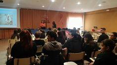 Charla interactiva, dirigida a la comunidad educativa del IES Ramón y Cajal, con la intervención de dos mujeres responsables en distintas Ár...