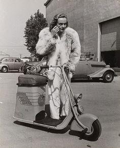 Alfred Eisenstaedt (1898-1995) Carole Lombard, ca. 1938