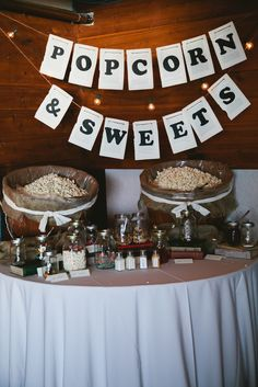 october rustic wedding decorations   Loveitagain - Vintage Decor: Rustic Meets Chique Inspired Wedding