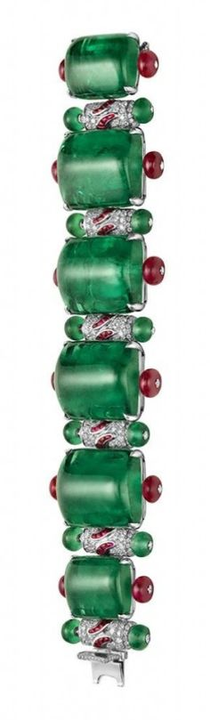 From the Diva Collection, Bulgari, amazing emeralds, this reminds m of the tutti fruitti pieces~
