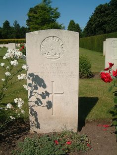 55159 Private  P A Hill  60th Bn Australian Inf.  7th October 1918 Age 25    Name: HILL, PHILIP ALBERT  Rank: Private Regiment/Service: Australian Infantry, A.I.F. Unit Text: 60th Bn.   Age: 25 Date of Death: 17/10/1918 Service No: 55159   Additional informa