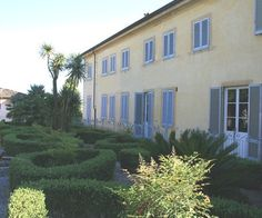 Historical villa for sale in Tuscany: good luxury opportunity. www.lucaevillas.it