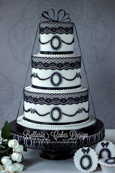 e33ec2f94c0c31db58ebbe1b59149483.jpg 1,200×1,800 pixels Beautiful Wedding Cakes, Gorgeous Cakes, Amazing Cakes, Black White Cakes, Round Wedding Cakes, White Wedding Cakes, Elegant Wedding Cakes, Cake Wedding, Cupcake Cakes