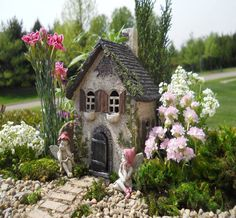 Legend has it that fairy doors are portals to the fairy realm, which can only be seen by those who believe in magic - D. Thomas Fine Miniatures