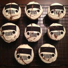 This would be sooo fabulous as a birthday cupcake from someone great at making birthday cupcakes. Birthday Cupcakes, 2nd Birthday Parties, 16th Birthday, Baby Birthday, Jeep Cake, Cakes For Boys, Let Them Eat Cake, First Birthdays, Cupcake Cakes